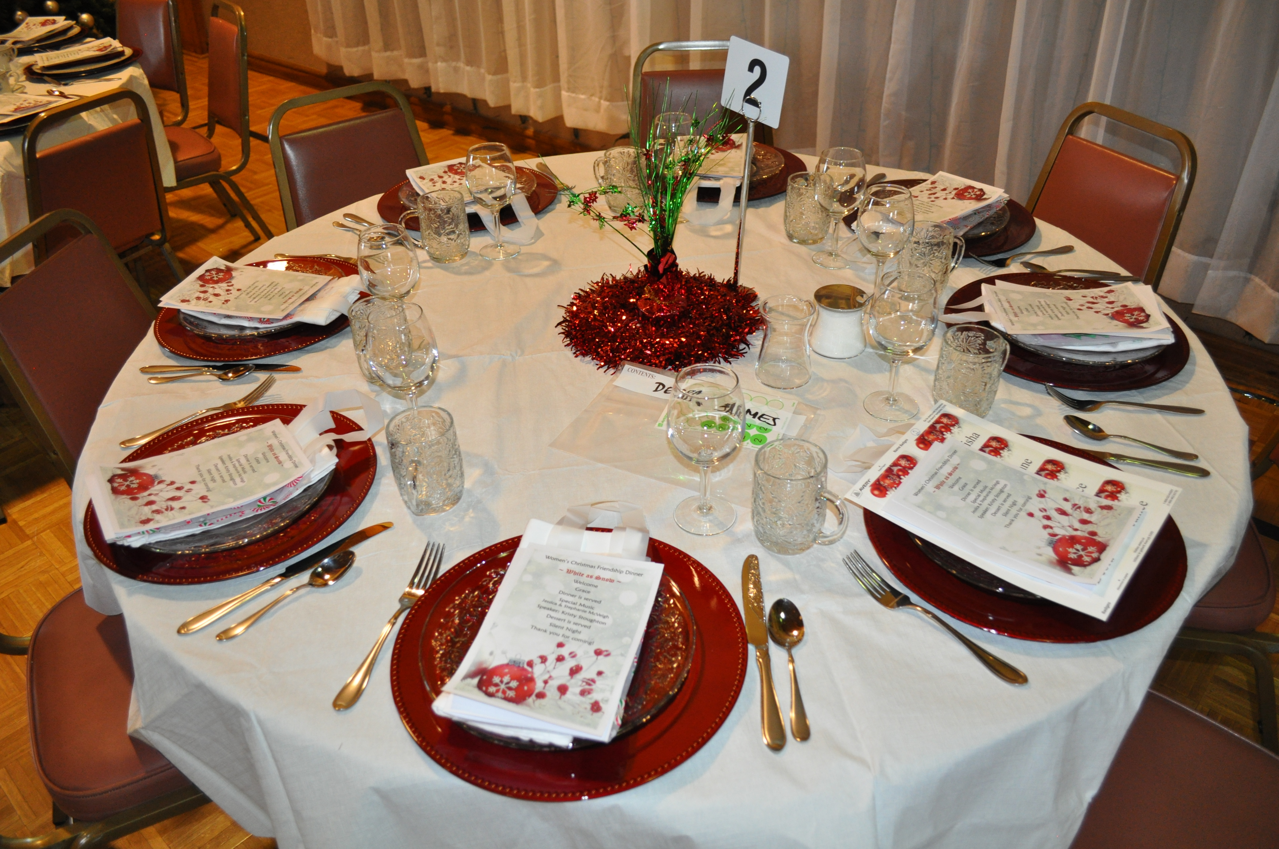 Women s christmas friendship dinner decorations on target for Annual dinner decoration